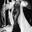 MAE WEST ACTRESS AND SEX SYMBOL - 8X10 PUBLICITY PHOTO (BB-848)