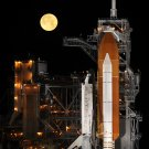 SPACE SHUTTLE DISCOVERY ON LAUNCH PAD 39A AS MOON SETS 8X10 NASA PHOTO (EP-140)