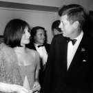 BARBRA STREISAND WITH PRESIDENT JOHN F. KENNEDY IN 1963 - 8X10 PHOTO (AZ-026)