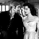 TYRONE POWER & MAUREEN O'HARA IN 'THE BLACK SWAN' 8X10 PUBLICITY PHOTO (ZY-090)