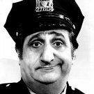 AL MOLINARO 'MURRAY THE COP' IN 'THE ODD COUPLE' - 8X10 PUBLICITY PHOTO (ZY-094)