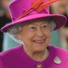 HER MAJESTY QUEEN ELIZABETH II - 8X10 PHOTO (BB-865)