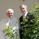 PRESIDENT GEORGE W. BUSH w/ POPE BENEDICT XVI @ WHITE HOUSE 8X10 PHOTO (BB-875)