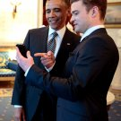 PRESIDENT BARACK OBAMA WITH MUSICIAN JUSTIN TIMBERLAKE - 8X10 PHOTO (CC-019)