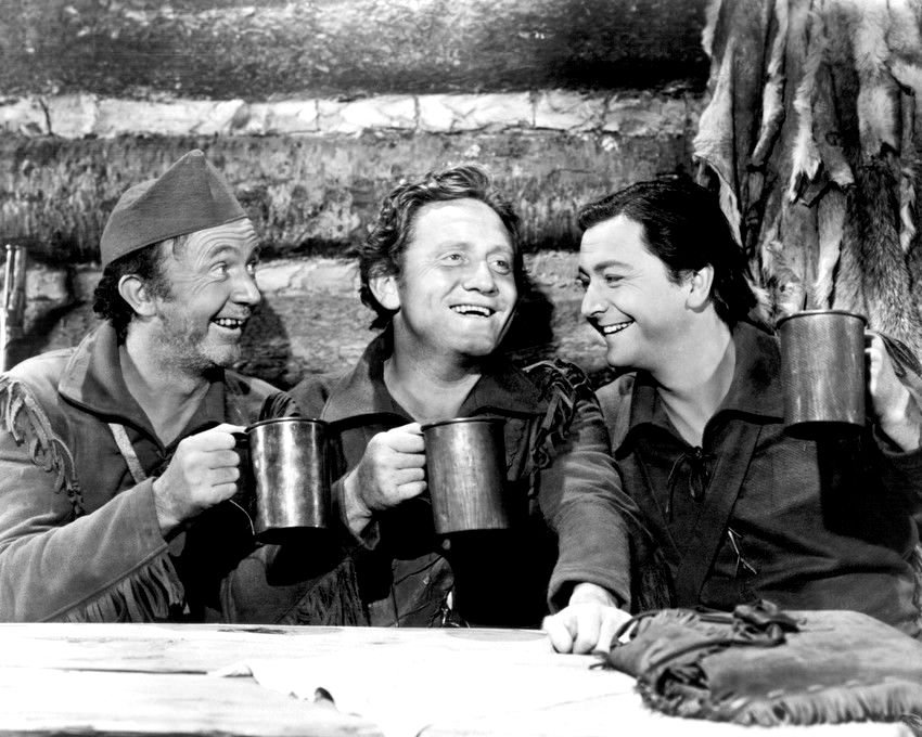 WALTER BRENNAN, SPENCER TRACY & ROBERT YOUNG IN 'NORTHWEST PASSAGE' - 8X10 PHOTO (CC-046)