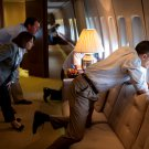 BARACK OBAMA OBSERVES TORNADO DAMAGE FROM AIR FORCE ONE - 8X10 PHOTO (CC-077)