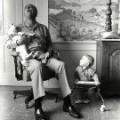 PRESIDENT LYNDON B. JOHNSON SINGS WITH HIS DOG 'YUKI' - 8X10 PHOTO (EE-079)