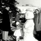 PRES JOHN F. KENNEDY WATCHES DAUGHTER CAROLINE TOUCH SNOWMAN 8X10 PHOTO (BB-369)