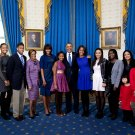 BARACK OBAMA, MICHELLE & DAUGHTERS WITH EXTENDED FAMILY - 8X10 PHOTO (EE-110)