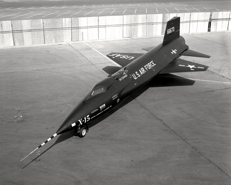 X-15 NORTH AMERICAN ROCKET-POWERED HYPERSONIC AIRCRAFT 8X10 NASA PHOTO (DD-082)