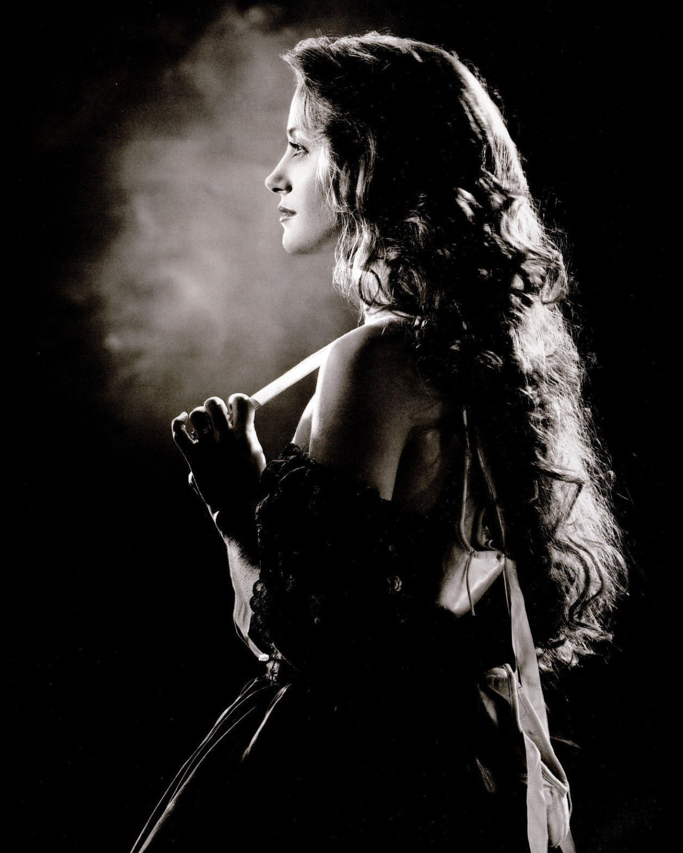 ACTRESS JANE SEYMOUR - 8X10 PUBLICITY PHOTO (CC-119)