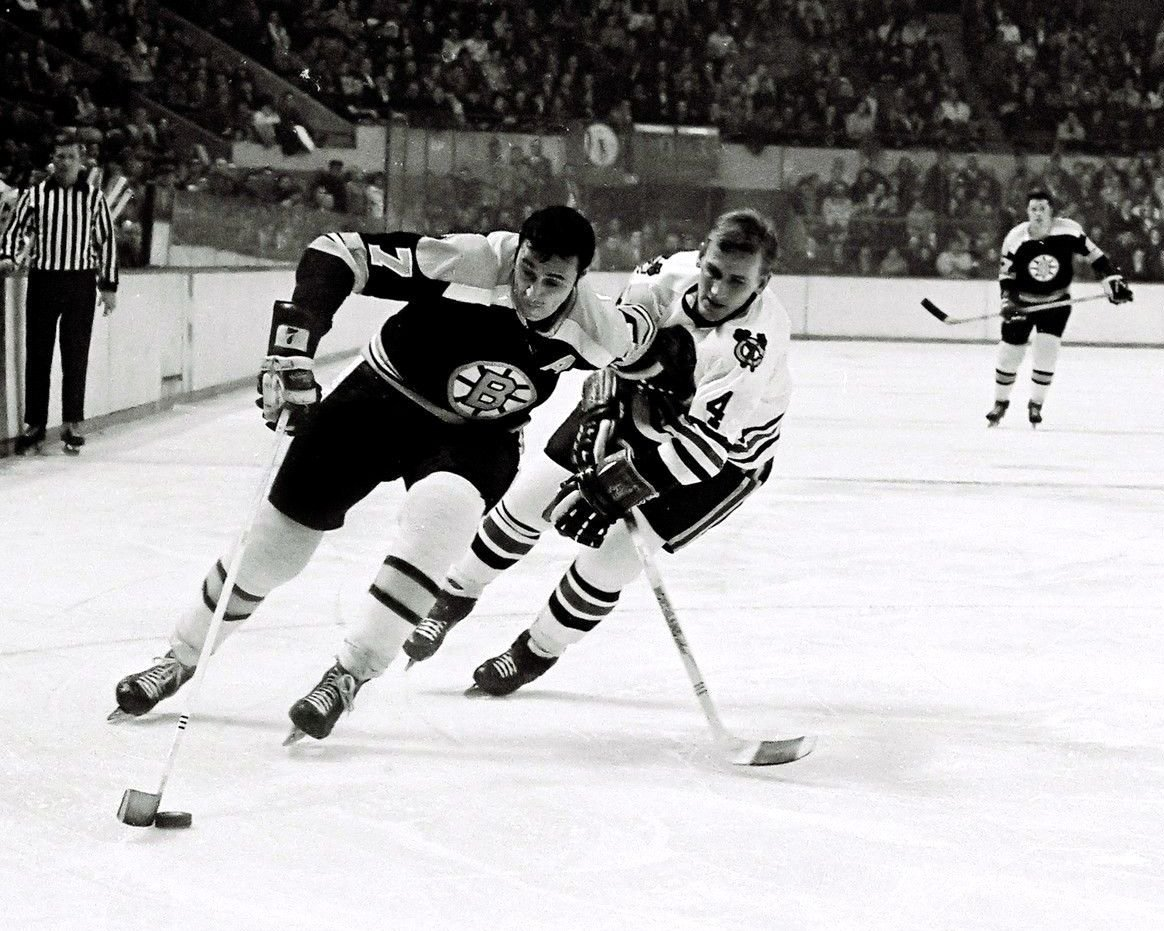 PHIL ESPOSITO NHL PLAYER BOSTON BRUINS - 8X10 SPORTS PHOTO (DA-713)