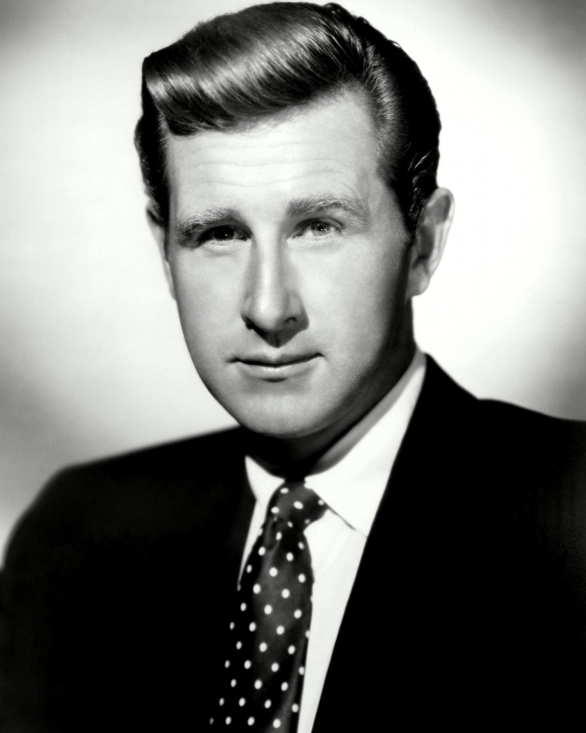 ACTOR LLOYD BRIDGES - 8X10 PUBLICITY PHOTO (EE-120)