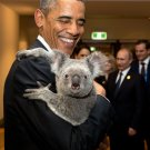 BARACK OBAMA HOLDS KOALA BEAR IN BRISBANE, AUSTRALIA @ G20 - 8X10 PHOTO (EE-042)