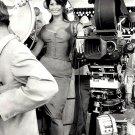 SOPHIA LOREN BEHIND THE SCENES OF THE ITALIAN FILM 'BOCCACCIO '70'  - 8X10 PHOTO (OP-000)