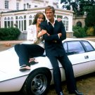ROGER MOORE BARBARA BACH 'THE SPY WHO LOVED ME' - 8X10 PUBLICITY PHOTO (OP-017)
