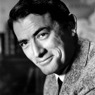 GREGORY PECK ACADEMY AWARD-WINNING ACTOR - 8X10 PUBLICITY PHOTO (ZZ-422)