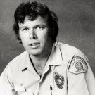 KEVIN TIGHE AS PARAMEDIC ROY DESOTO 'EMERGENCY!' - 8X10 PUBLICITY PHOTO (ZY-200)