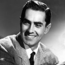 ACTOR TYRONE POWER - 8X10 PUBLICITY PHOTO (ZZ-575)