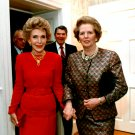 NANCY REAGAN WITH BRITISH PRIME MINISTER MARGARET THATCHER - 8X10 PHOTO (ZZ-632)
