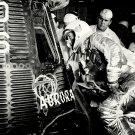 MERCURY ASTRONAUT SCOTT CARPENTER INSPECTS AURORA 7 - 8X10 NASA PHOTO (AA-300)
