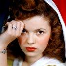 SHIRLEY TEMPLE LEGENDARY FILM ACTRESS - 8X10 PUBLICITY PHOTO (DA-058)
