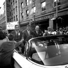 SEN. JOHN F. KENNEDY CAMPAIGNS IN WASHINGTON STATE IN 1960 - 8X10 PHOTO (BB-604)