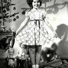 SHIRLEY TEMPLE LEGENDARY ACTRESS - 8X10 PUBLICITY PHOTO (DA-077)