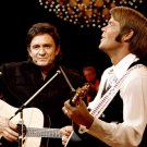 JOHNNY CASH AND GLEN CAMPBELL MUSIC LEGENDS - 8X10 PUBLICITY PHOTO (DA-746)
