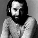 GEORGE CARLIN LEGENDARY STAND-UP COMEDIAN - 8X10 PUBLICITY PHOTO (EP-023)