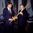 """KENNEDY RECEIVES AMERICAN CANCER SOCIETY """"SHIELD OF HOPE"""" - 8X10 PHOTO (AA-311)"""
