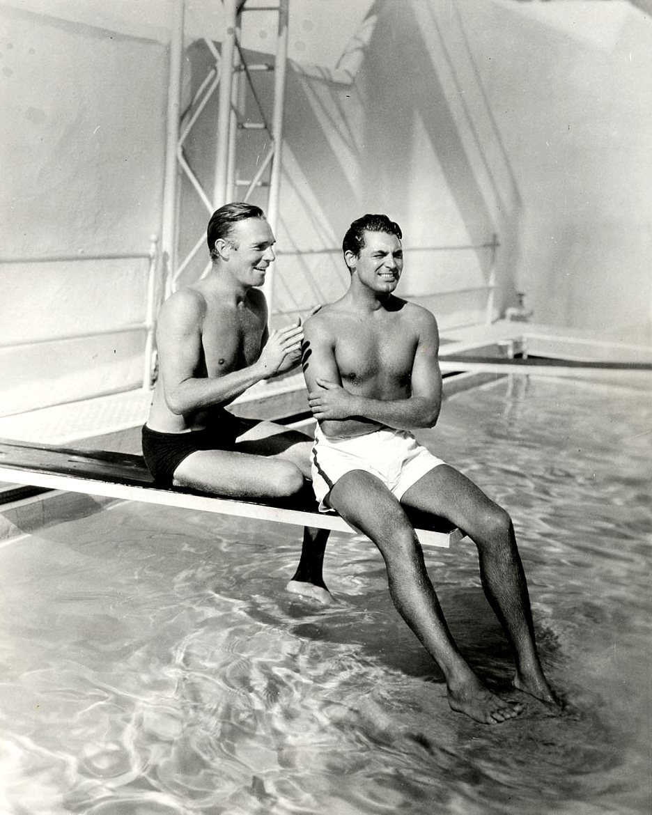 RANDOLPH SCOTT AND CARY GRANT HOLLYWOOD LEGENDS - 8X10 PUBLICITY PHOTO (OP-069)