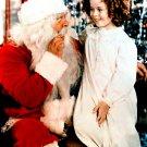 ACTRESS SHIRLEY TEMPLE w/ SANTA CLAUS - 8X10 CHRISTMAS PUBLICITY PHOTO (DA-046)