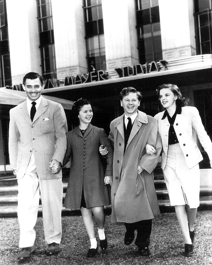 CLARK GABLE, SHIRLEY TEMPLE, MICKEY ROONEY & JUDY GARLAND - 8X10 PHOTO (CC-157)