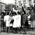 "MOTOWN SUPERSTARS IN LONDON FOR ""MOTORTOWN REVUE"" 8X10 PUBLICITY PHOTO (EP-059)"