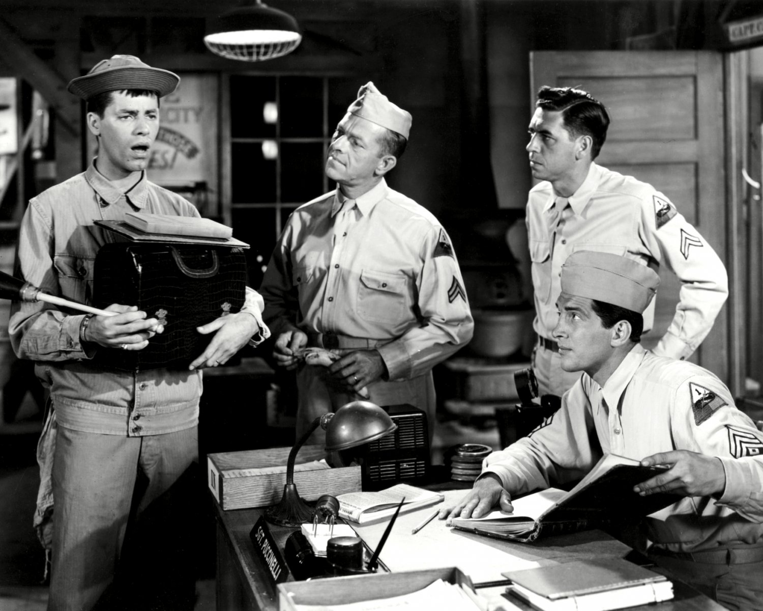 """DEAN MARTIN & JERRY LEWIS """"AT HOME WITH THE ARMY"""" 8X10 PUBLICITY PHOTO (ZZ-035)"""