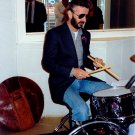 RINGO STARR PLAYS DRUMS AT SUN STUDIO IN MEMPHIS, TN - 8X10 PHOTO (ZZ-040)