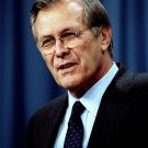 FORMER SECRETARY OF DEFENSE DONALD RUMSFELD - 8X10 PHOTO (EP-463)