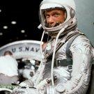 MERCURY ASTRONAUT JOHN GLENN FRIENDSHIP 7 TRAINING - 8X10 NASA PHOTO (AA-531)