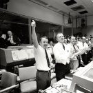 MISSION CONTROL CELEBRATES AFTER APOLLO 13 SPLASHDOWN - 8X10 NASA PHOTO (EP-239)
