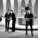 THE BEATLES PERFORM ON 'THE ED SULLIVAN SHOW' - 8X10 PHOTO (ZZ-044)