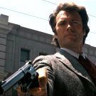 "CLINT EASTWOOD BRANDISHING HIS .44 MAGNUM IN ""DIRTY HARRY"" - 8X10 PHOTO (ZY-327)"