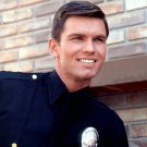 KENT McCORD AS OFFICER JIM REED IN 'ADAM 12' - 8X10 PUBLICITY PHOTO (AA-789)