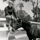 "BING CROSBY WITH HIS HORSE ""SALLY'S BOOTER"" - 8X10 PUBLICITY PHOTO (CC-175)"