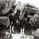 GENE AUTRY ACTOR AND SINGER COWBOY - 8X10 PUBLICITY PHOTO (AZ206)