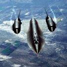 """SR-71A """"BLACKBIRD"""" AIRCRAFT AIR-TO-AIR OVERHEAD VIEW - 8X10 PHOTO (AZ213)"""