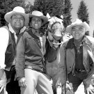 """BONANZA"" CAST SMILING WITH LORNE GREENE'S HORSE - 8X10 PUBLICITY PHOTO (BB-605)"