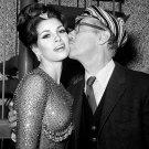RAQUEL WELCH AND GROUCHO MARX IN 1964 - 8X10 PUBLICITY PHOTO (DA-027)
