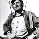 "ROBERT SHAW AS ""QUINT"" IN THE 1975 FILM ""JAWS"" - 8X10 PUBLICITY PHOTO (AZ243)"