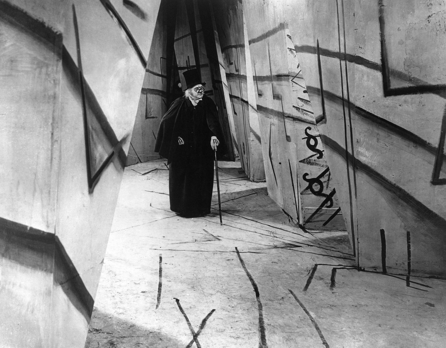 "WERNER KRAUSS IN THE 1920 FILM ""THE CABINET OF DR. CALIGARI"" 8X10 PHOTO (EP-990)"